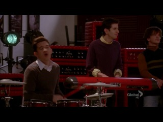Glee Cast - Diamonds Are a Girl's Best Friend / Material Girl (4.15)